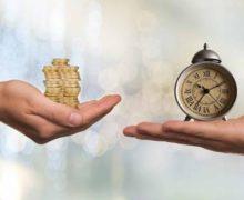 Часы с монетами